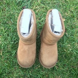 UGG 🔴 Kids Waterproof boots